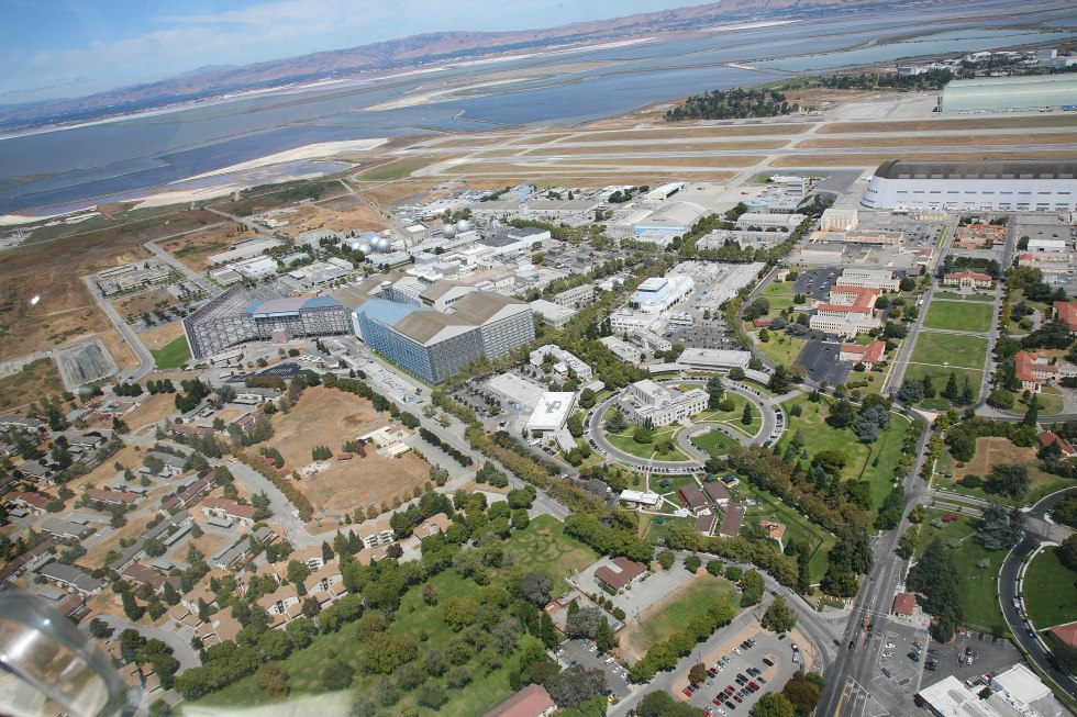 NASA_Ames_at_Moffett_Field